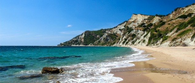 Arkoudilas-Beach-635x272
