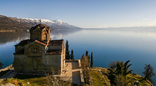 Meer van Ohrid bezienswaardigheden - Sveti Jovan Kaneo