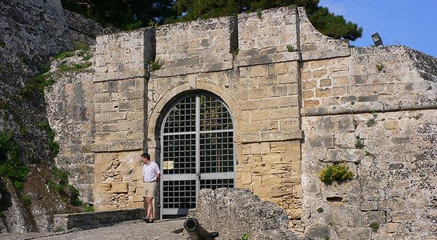 Wandelen op Zakynthos - Poort Kasteel van Bohali
