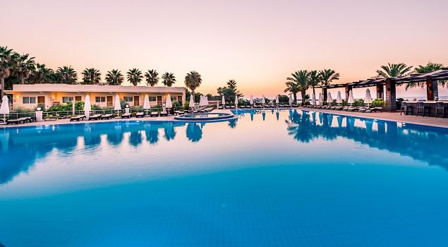 Zwembad Vuni Palace