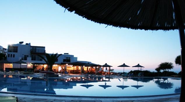 swimming_pool_night